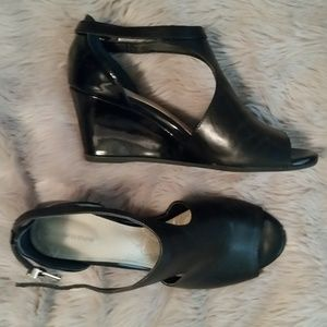 Giani Bernini  black dress shoes. Size 7.5